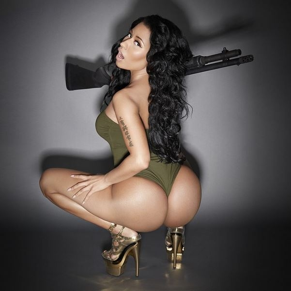 Nicki Minaj flaunting her booty. Source