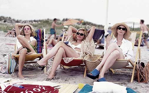 ep29_girls_beach